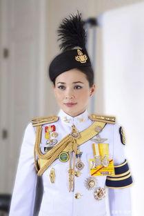 泰国王室发布20张王后制服照从空姐到将军再到王后