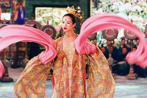 《十面埋伏》中章子怡华丽的戏服
