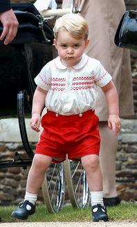 小王子乔治5岁啦身为皇室小网红坐拥无数乡巴佬,还是带货之王