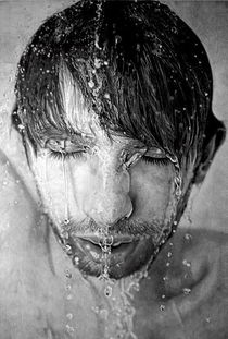 英国画家铅笔绘制肖像逼真似照片