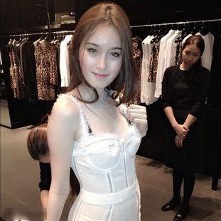 泰国最美人妖香艳生活私照