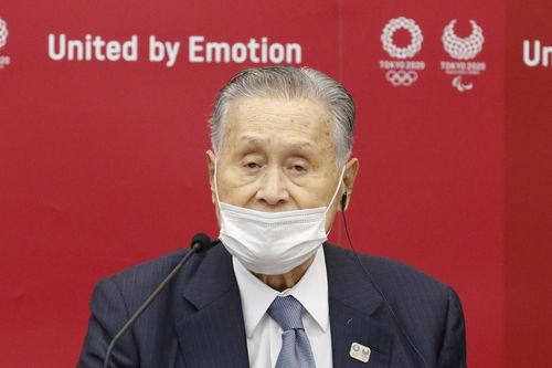 责:↑11月18日,国际奥委会东京奥运会协调委员会主席约翰·科茨(左)和东京奥组委主席森喜朗在发布会上.