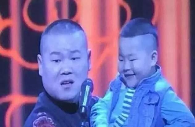 岳云鹏撞脸孩同台岳云鹏录节目遭于谦暴打
