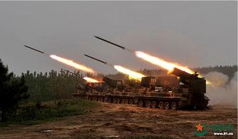 中国陆军第1军自行火箭炮群齐射覆盖攻击