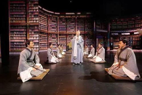 在我们的古汉语词典里,韦编三绝、汗牛充栋、洛阳纸贵……中国古人往往用赞美、敬佩的词语,称颂典籍的魅力和文化的传承