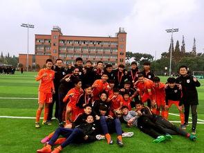 在最后一轮比赛中,鲁能足校u15队4:1战胜朗姿珂缔缘,勇夺联赛冠军.