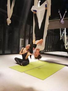 早鸟价还有4天 明星模特们的私教刘涛美丽空中瑜伽照片背后的神秘教练Kinki,现在为你带来空中地面体系快速高效塑形理疗系统课程