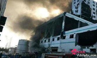 昨日上午9时20分,位于山东潍坊市昌乐县经济开发区的山东日科化学股份有限公司一车间发生一起爆燃火灾事故,事故共造成7人死亡,4人受伤.