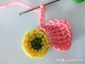 钩针编织胸花挂件花朵图解