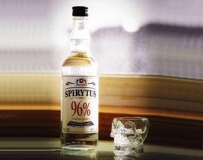 世界最恐怖的超级烈酒 酒精度96 饮时需禁烟