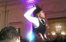 奥巴马就职礼歌星被指假唱国歌 白宫举办狂欢派对