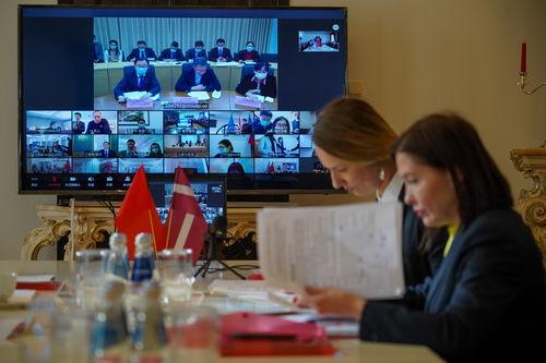 分享抗疫经验赋予171合作新内涵中国同中东欧国家举行疫情防控专家视频会议