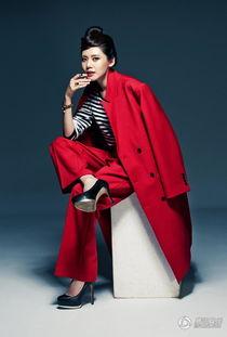 高清 秋瓷炫霸气写真 演绎红黑魅力
