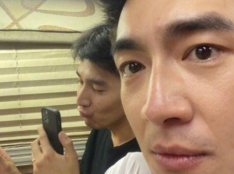 酸了林更新偷拍赵又廷和高圆圆视频,吐槽这人越来越丑了