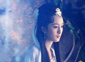 杨幂很美,刘亦菲很仙,但她们都不是我心中的女神