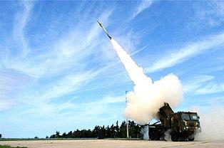 韩国国防部2月5日公开的新一代多管火箭炮天舞.