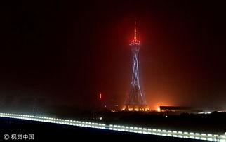 郑州中原福塔现灯光标语厉害了我的国
