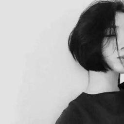 女生酷酷的黑白头像大全2018最新 风那么大你别出去了