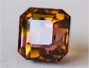 五行属水带什么水晶(水晶的五行属什么的呢)