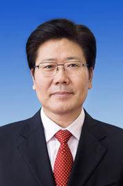 张春贤同志简历