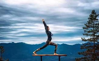 享受户外瑜伽的快乐与大自然的美