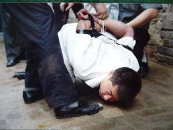 公安部调派八省数千警察捣毁庞大毒品集团