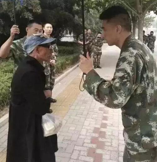 68岁帕金森老人北京探望消防员儿子,走失12天,找到时手里还紧攥着月饼