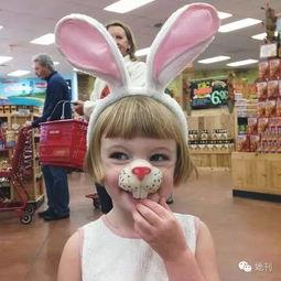 4岁短发小萝莉萌翻了 时尚穿搭不输小贝家的七公主