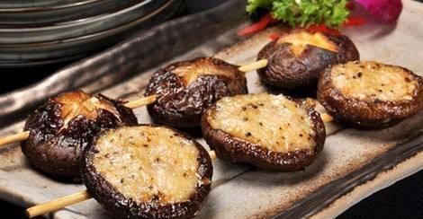 吃香菇的好处和坏处(来源:百度百科-发物)