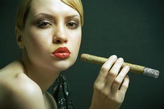 新手吸烟的正确方法(吸烟的正确方法?)