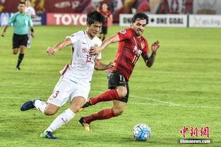 资料图:广州恒大与上海上港的足协杯冠军之争,将对亚冠争夺形式产生影响.
