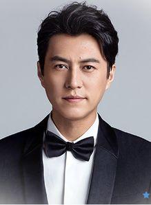 靳东-观众最喜爱的华人影视十大男明星,第一名胡歌