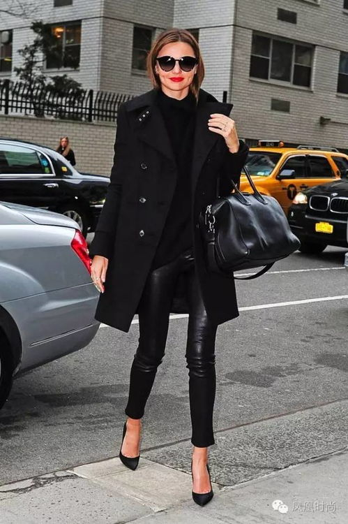 冬季变身性感爆表的长腿妹子这个秘诀就是穿皮裤