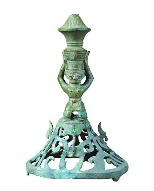 王仁湘:三星堆遗址铜顶尊跪坐人像观瞻小记  金沙青铜立人像