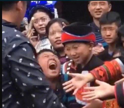 蔡徐坤的握手礼仪