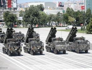 土耳其阅兵:ws-1火箭炮助阵f-5战机蓝天狂秀