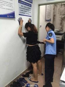 女司机不满交通处罚签字买棺材去死被拘