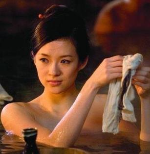 女星出浴照风情万种